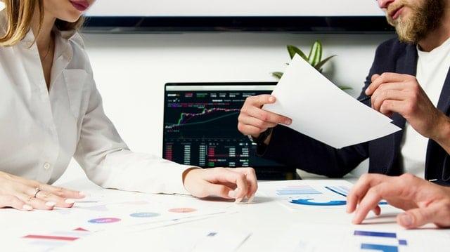 Aktien kaufen Broker oder Filiale